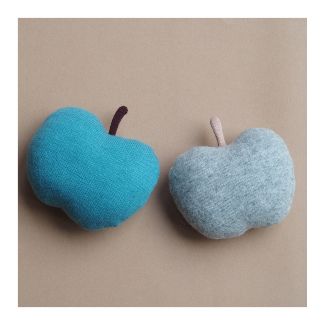 MIKANU BABY APPLE RATTLE