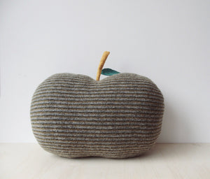 MIKANU Big Apple Wool