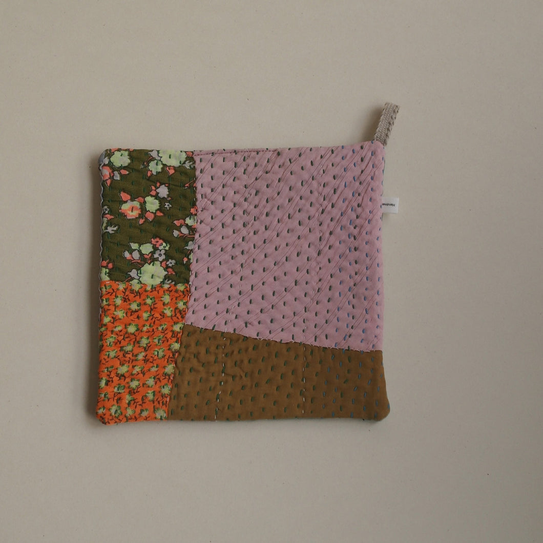 MIKANU QUILTED POT COASTER