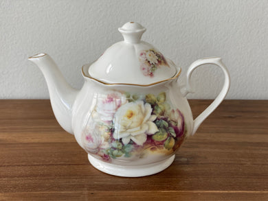 Vintage Royal Patrician Teapot by Dynasty (WR)
