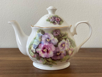 Vintage Royal Patrician Teapot by Dynasty (P)