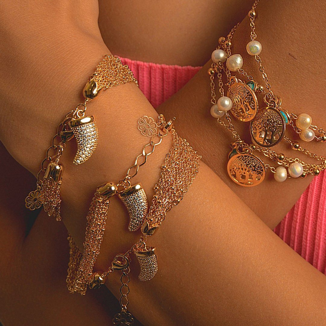 Full Chain Bracelets with Tooth Zircon Pendant bracelet De Lux Jewellery