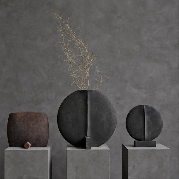 Guggenheim Vase, Big - Dark Grey