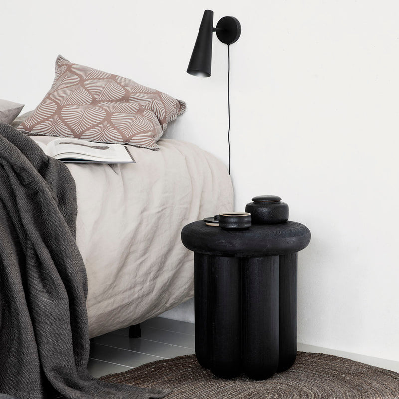 Phant side table - black