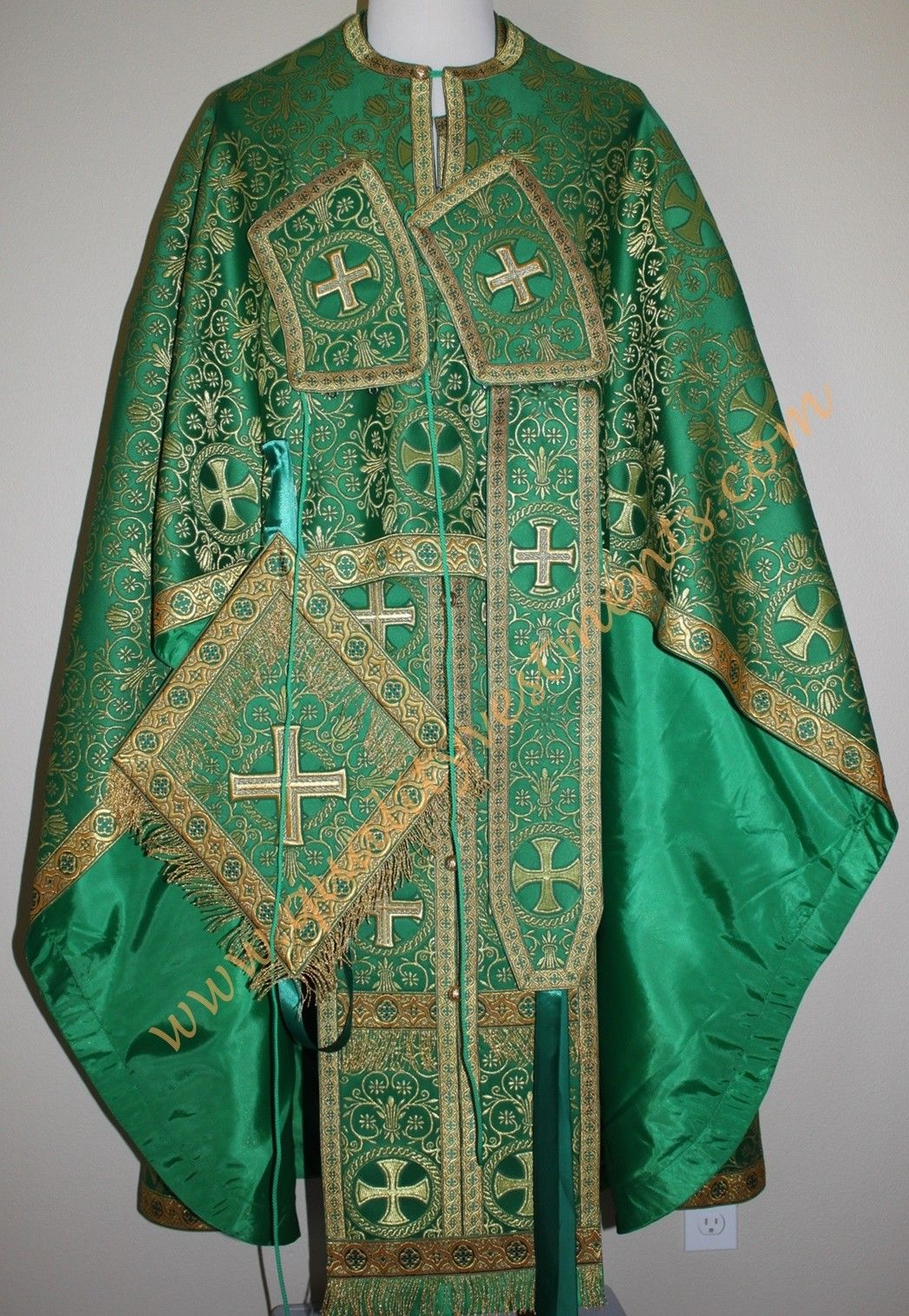 TO ORDER!! Greek Style Priest Vestment Metallic Brocade Green with Gold