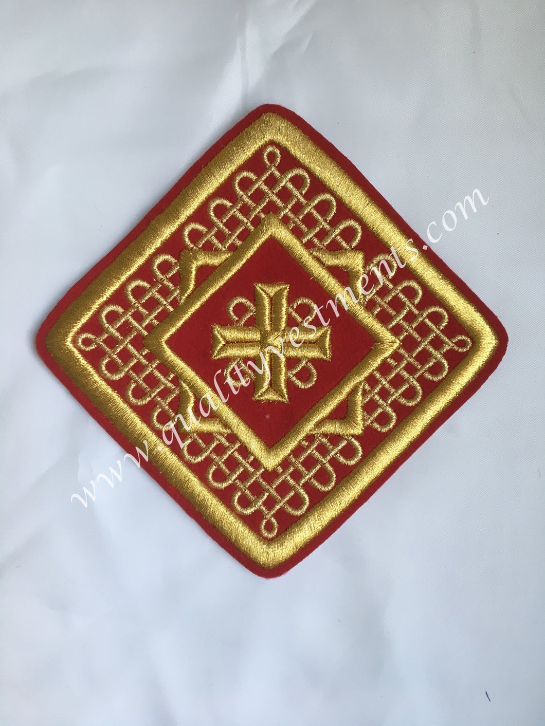 Liturgical Star Kustodia Cross RED Gold embroidered sew on 6