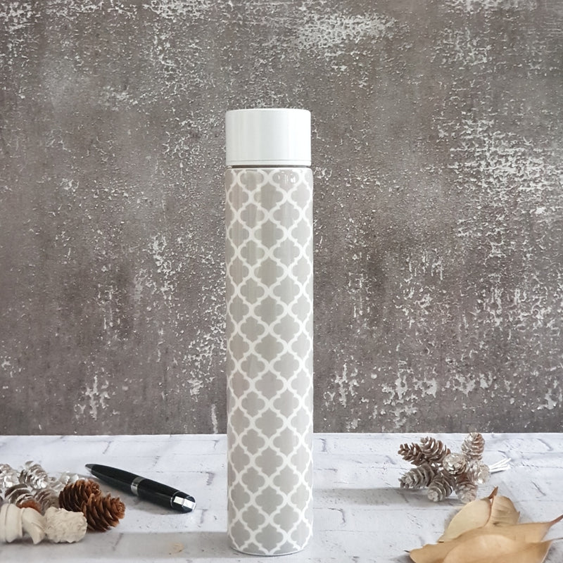 GRAY WITH WHITE QUARTERFOIL INSULATED DOUBLE-WALLED STAINLESS STEEL SLIM BOTTLE