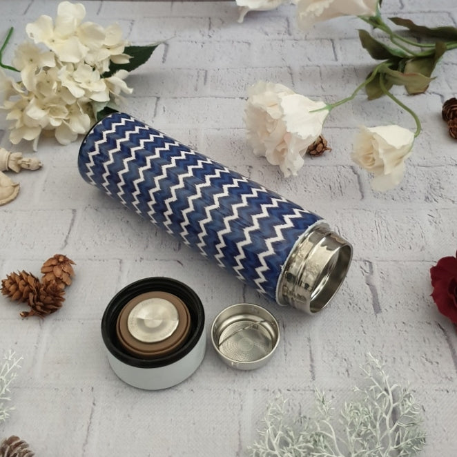 DARK BLUE CHEVRON THEMED INSULATED DOUBLE-WALLED STAINLESS STEEL SWEAT BOTTLE