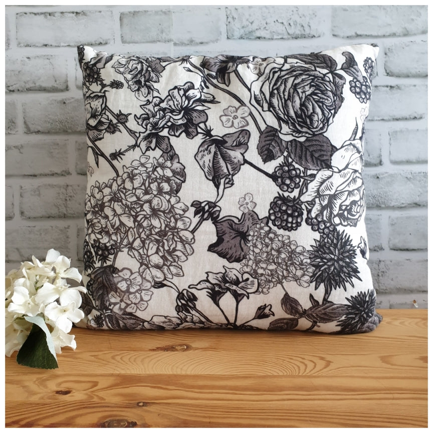 Cushion - Linen - Ebony Roses