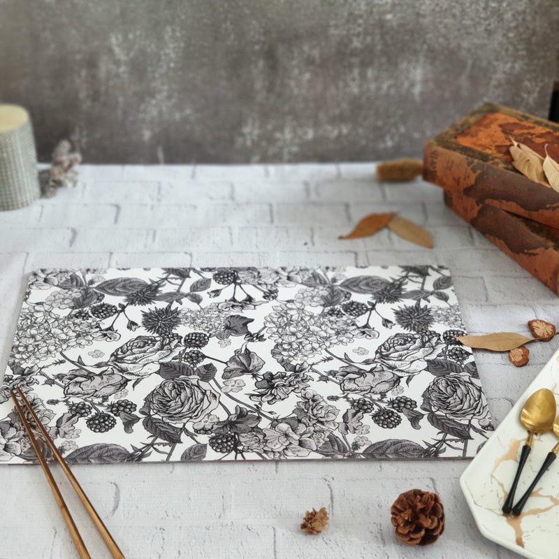 BLACK & WHITE ROSES WIPE CLEAN TABLEMATS/PLACEMATS