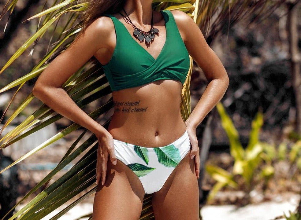 Green Solid and Leafy Print Bikini Set