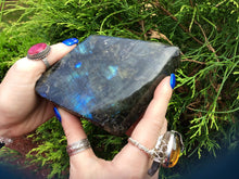 "Load image into Gallery viewer, Labradorite Crystal Large 1 lb. 7 oz. Tower ~ 4"" Long ~ Flashing Electric Blue & Gold Colors ~ High Quality Free Standing ~ Reiki Display"