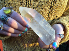 "Load image into Gallery viewer, Frosted Lemurian Crystal Quartz Point Large 11.6 oz. Wand ~ 5"" Long Ancient Striations Self Healed Key Hole ~ Beautiful Reiki, Altar Display"
