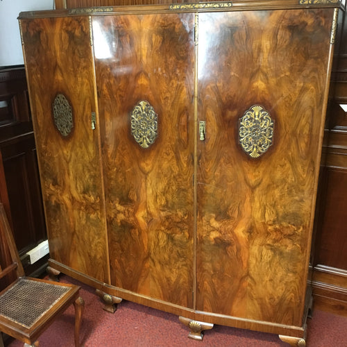 Large 1930's Gentlemen's wardrobe