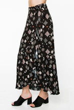 Load image into Gallery viewer, Floral Print Maxi Skirt