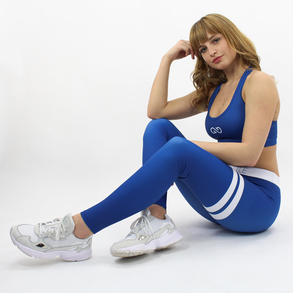 GYMSTYLE-Shiny_Blueberry-Leggings-Sitting