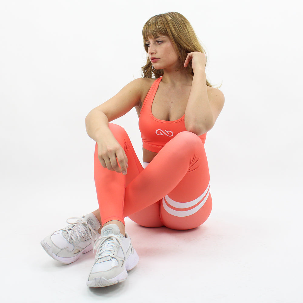 GYMSTYLE-Shiny_Coral-Outfit-Sitting