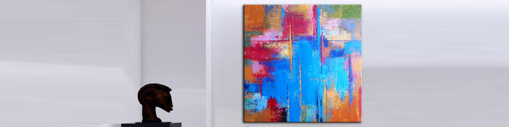 How to decorate a living room with original wall art