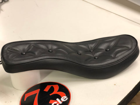 vintage chopper black button style low profile motorcycle seat by eddie barrett 73 cycle