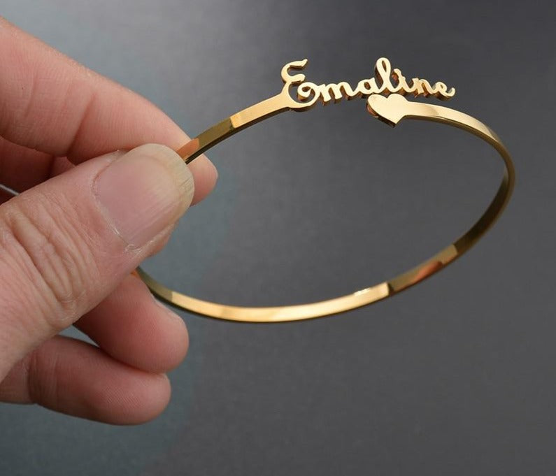 Personalized name bracelet gold