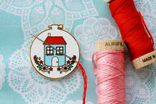 Sweet Home Embroidery Hoop - Magnetic Embroidery Needle Minder