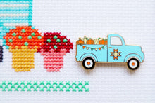 Fall Pumpkin Truck Needle Minder