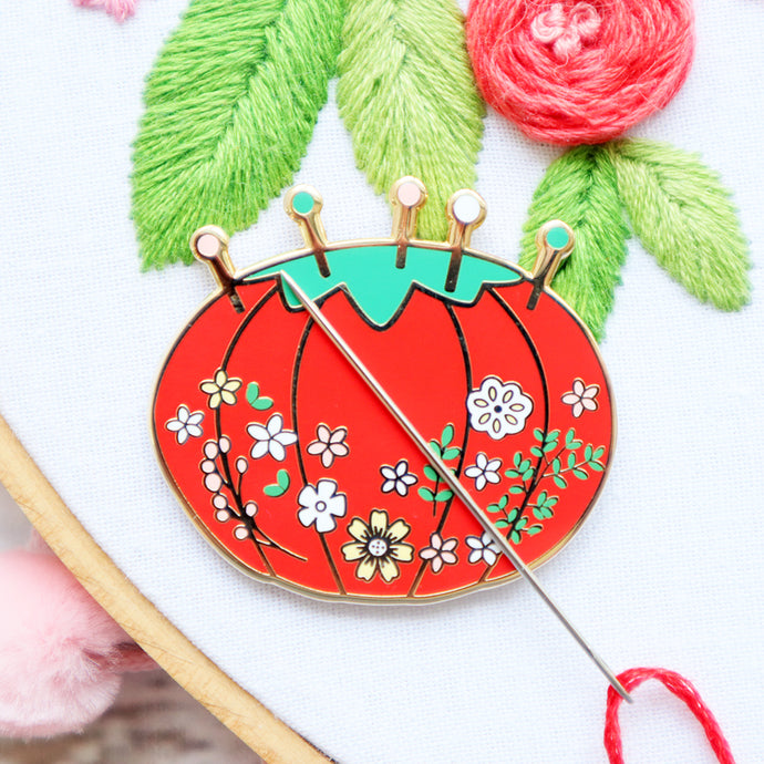 Vintage Tomato Floral Pin Cushion Magnetic Needle Minder
