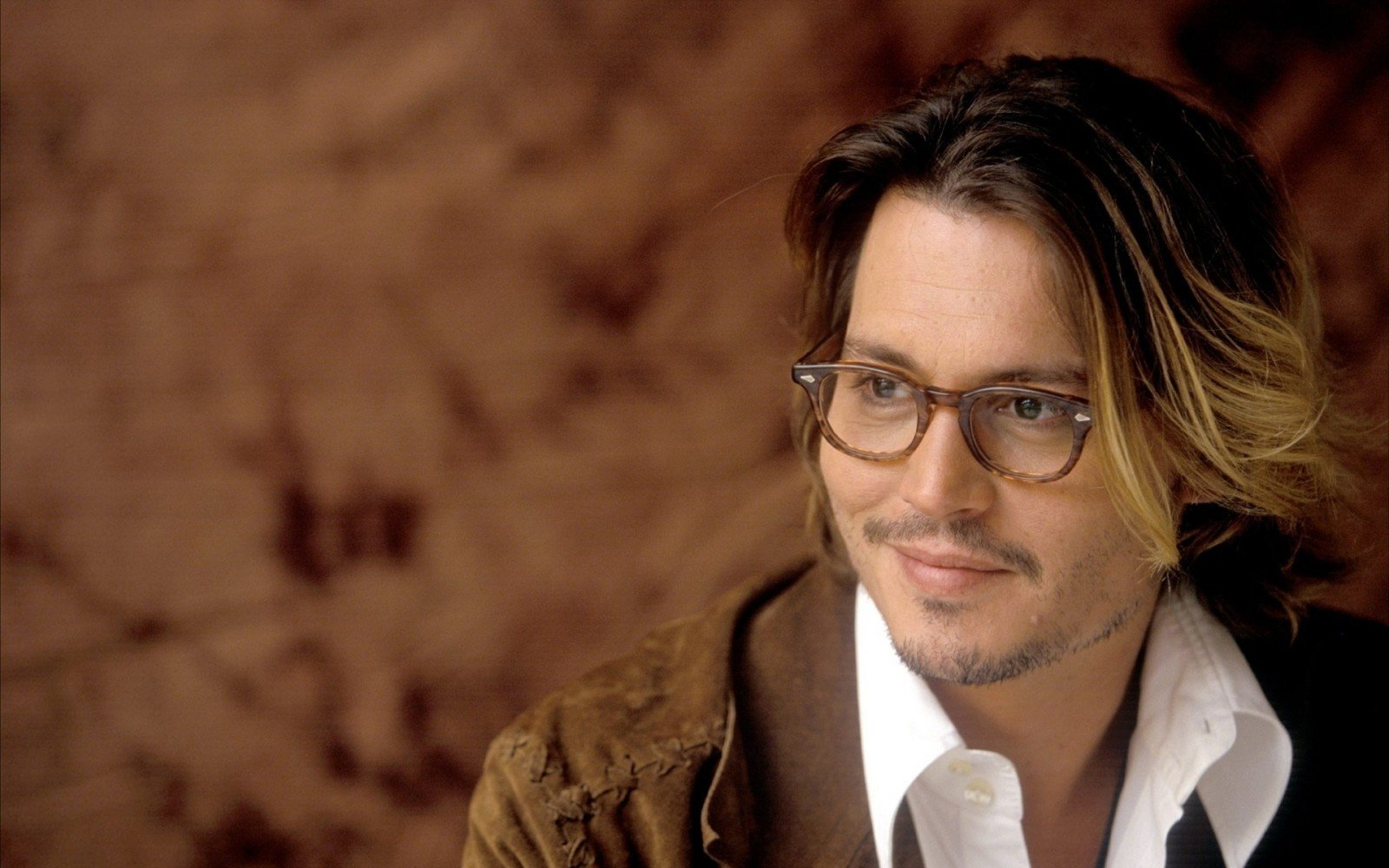 Style Icon: Johnny Depp in Glasses