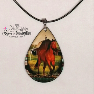 Necklace - Horse and Barn Scene with Kentucky in Gold color