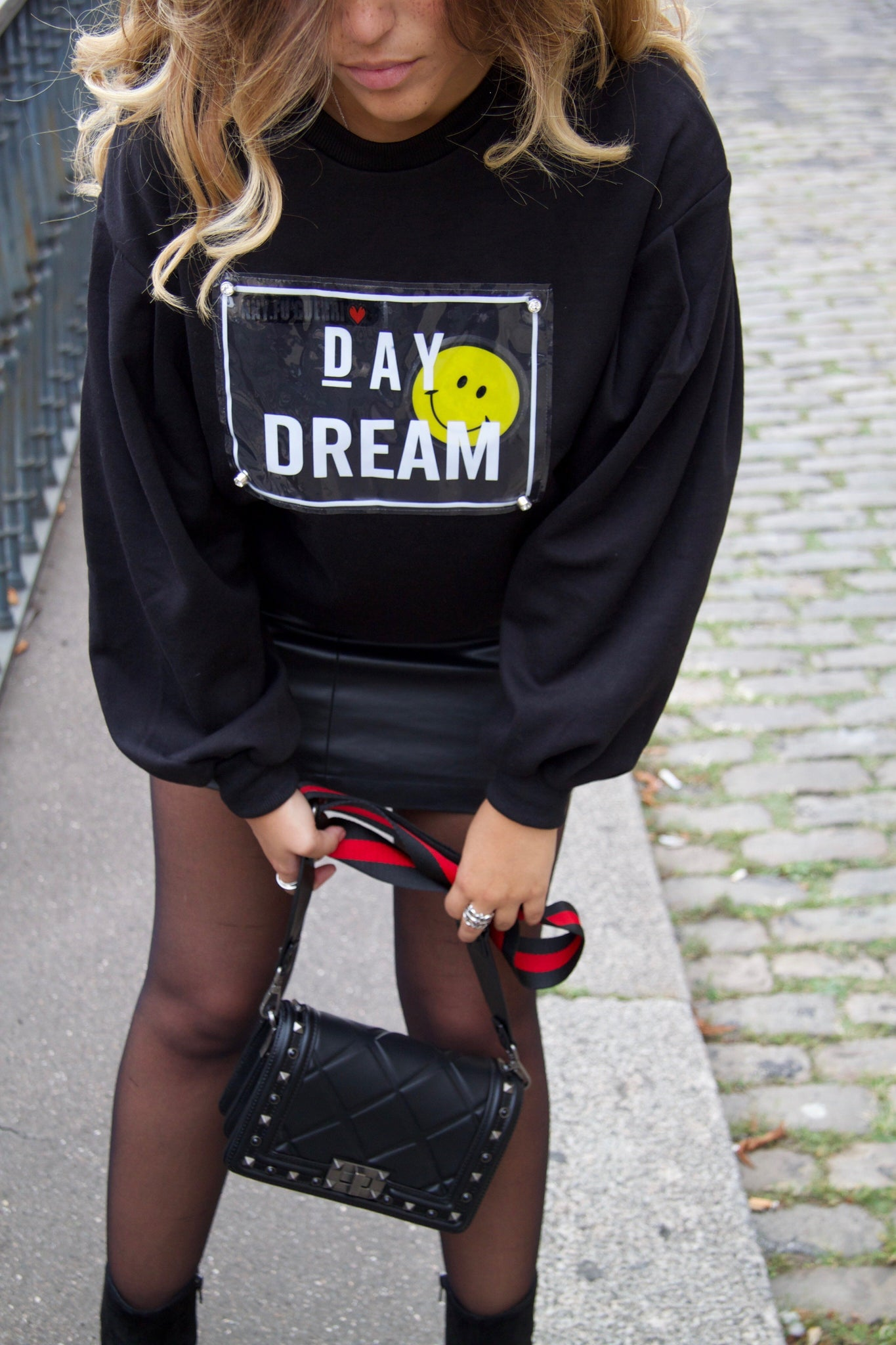 Pull noir day dream