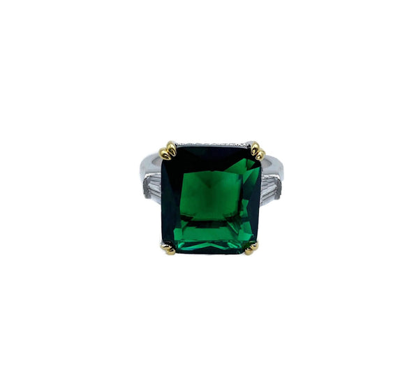 Statement Emerald 3 stone ring