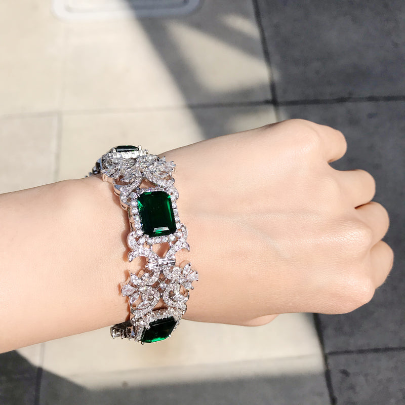 Emerald Princess Cut Diamondesque Bangle