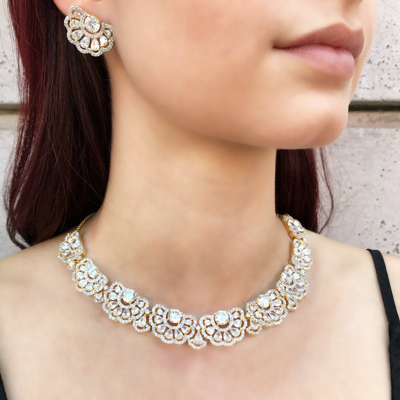 Solitaire Bloom Necklace & Earrings