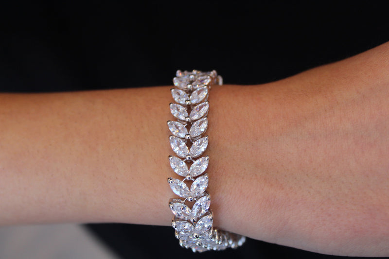 Leafy Diamondesque Bracelet