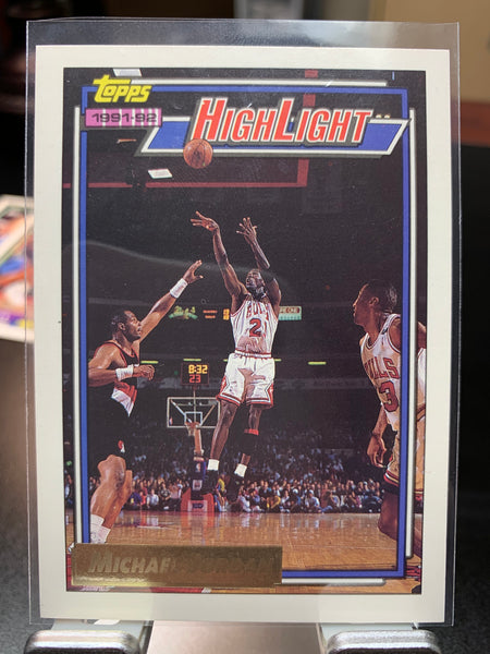 Michael Jordan Topps 1992-93 GOLD Highlight Card #3