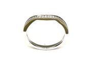 Diamond Milgrained Curved Band