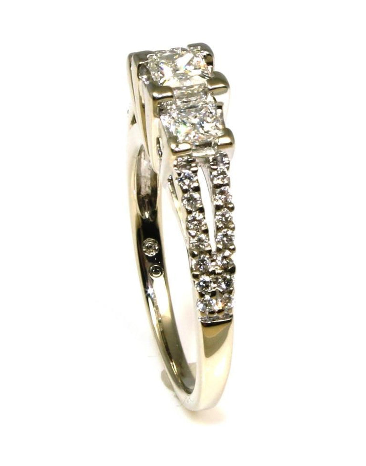 1.00ctw Princess Cut 3 Diamond Ring, 5784