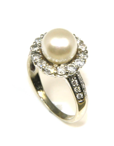 Pearl with a Diamond Halo Ring