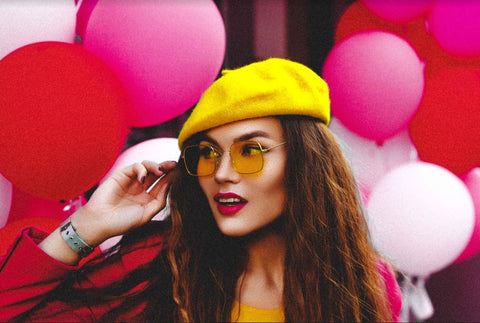 model with yellow hat