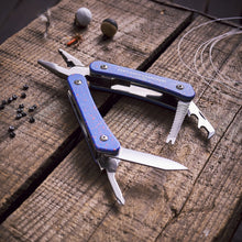 Load image into Gallery viewer, GENTLEMANS HARDWARE Fishing Multitool Lifestyle