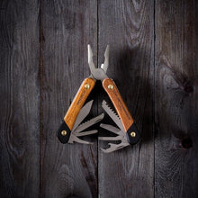 Load image into Gallery viewer, GENTLEMANS HARDWARE PLIER MULTI-TOOL Lifestyle