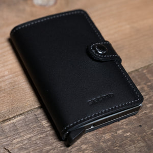 Secrid Miniwallet Original Black Lifestyle