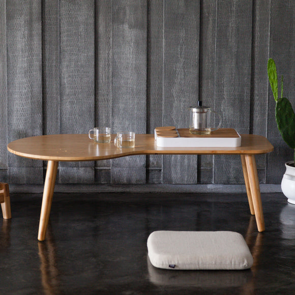 A minimalist Zen table, for a trendy interior design.