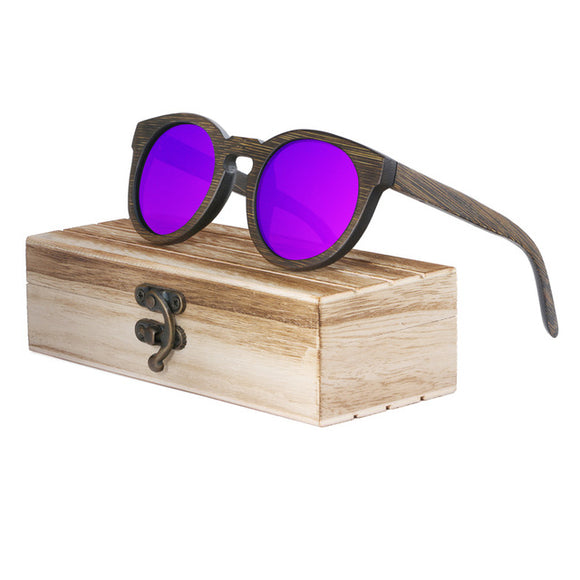Sunglasses for her, made of bamboo naturally!
