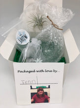 Load image into Gallery viewer, Holiday Garden Gift Box