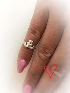 Kids claddagh ring