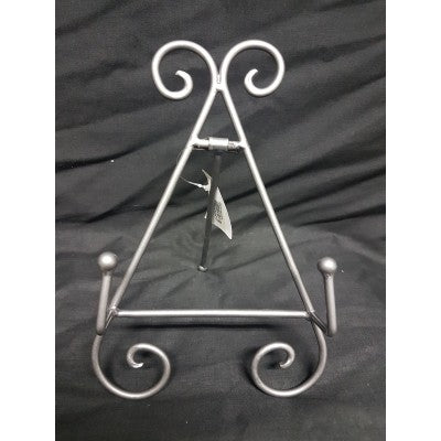 METAL PLATE STAND SILVER 22CM - Luxe Living