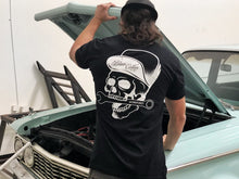 Load image into Gallery viewer, Skull Snapback T-Shirt