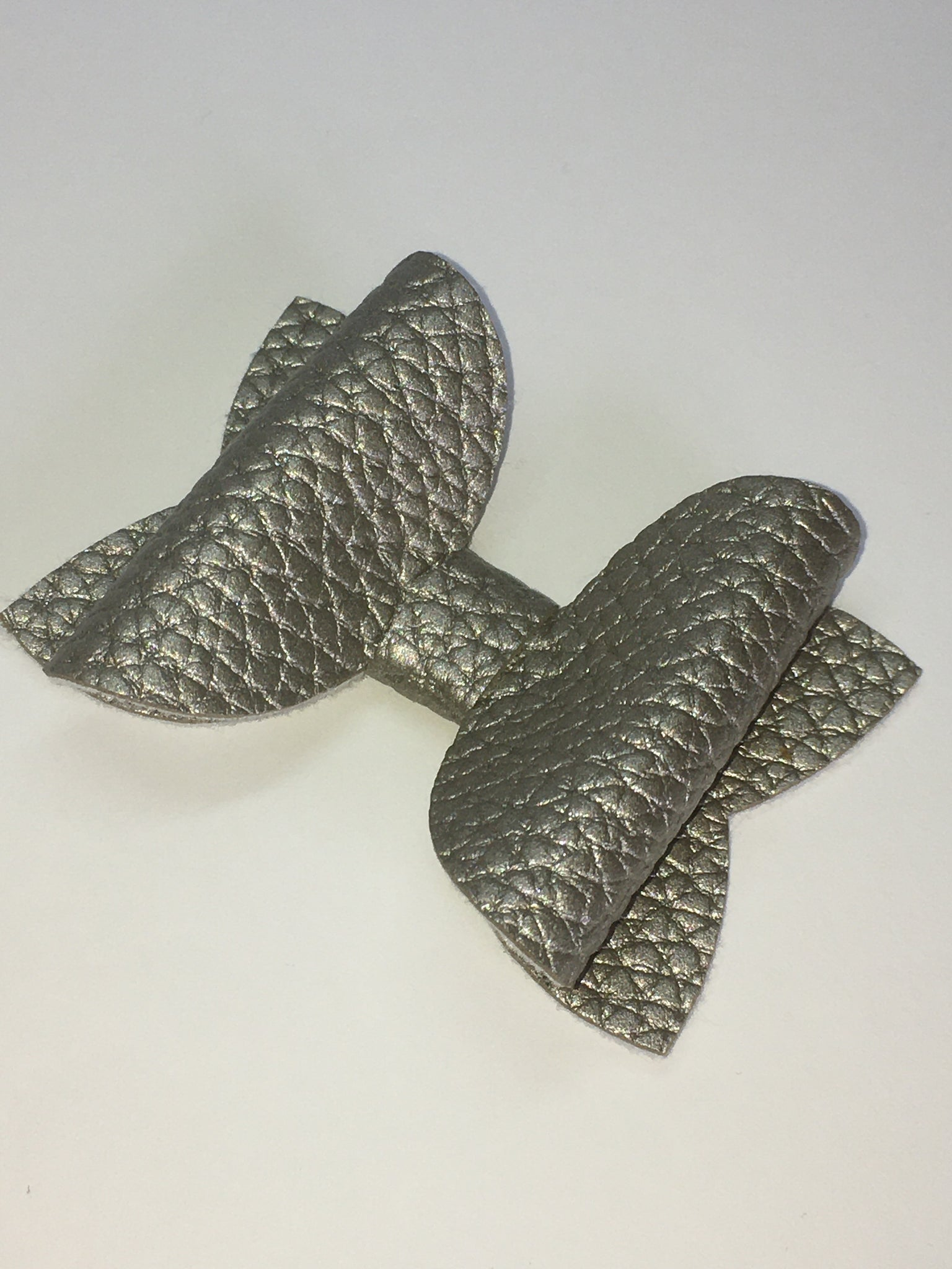 Metallic Silver pebbled bow