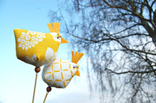 Load image into Gallery viewer, Chicken on a stick / Påskpinne